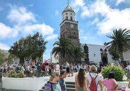 Explore Timanfaya Park Lanzarote - Best Excursions to Timanfaya Park - Best Tours To Costa Teguise Market - Volcanic Landscape with Geysery & Eatery